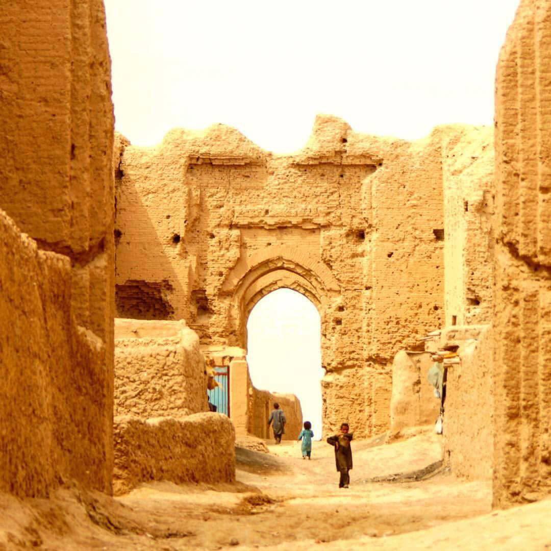 قلعه تاریخی بُست , افغان تراول afghantravelaf