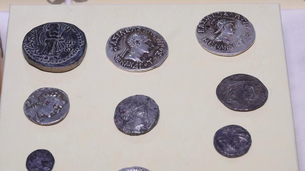 نمایش بخشی از سکههای موزیم ملی افغانستان , افغان تراول afghantravelaf
