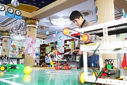 نمایشگاه ابزارهای هوشمند رباتیک در کابل برگزار شد , افغان تراول afghantravelaf